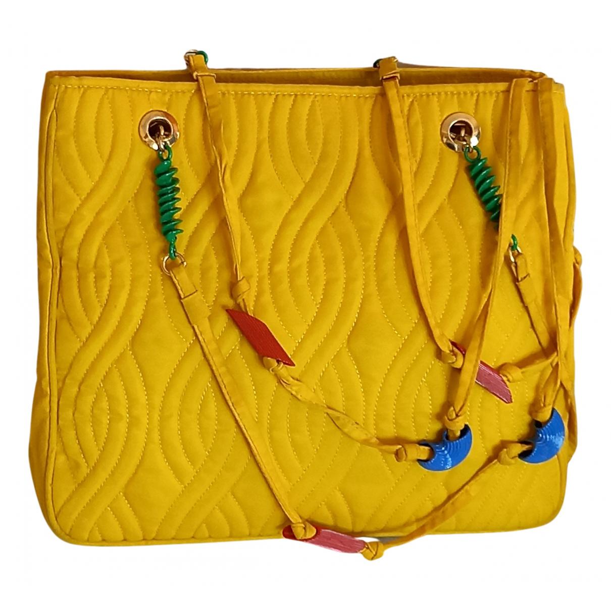 Fendi \N Handtasche in  Gelb Leinen