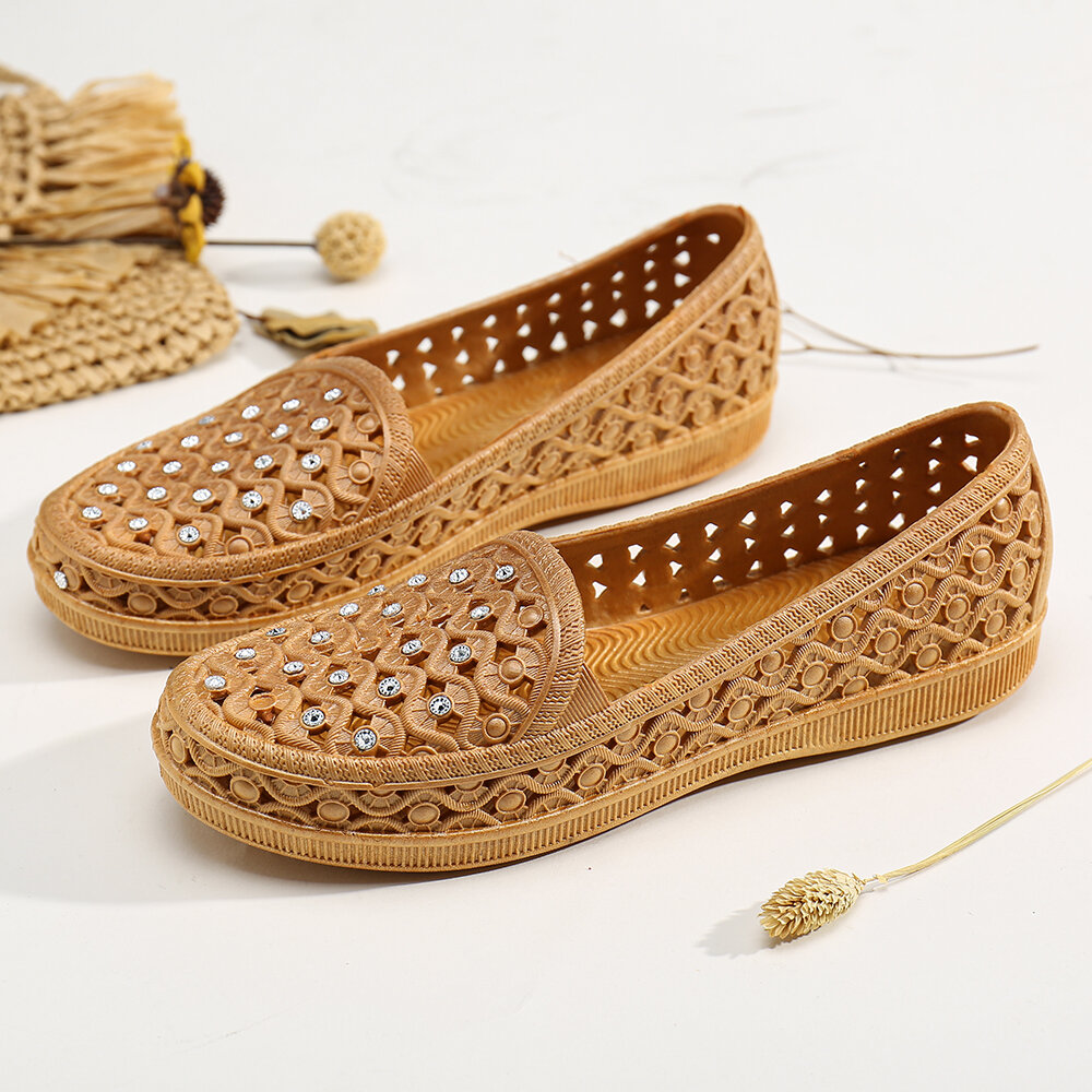 Womens Breathable Flowers Hollow Slip On Solid Color Beach Flats Shoes