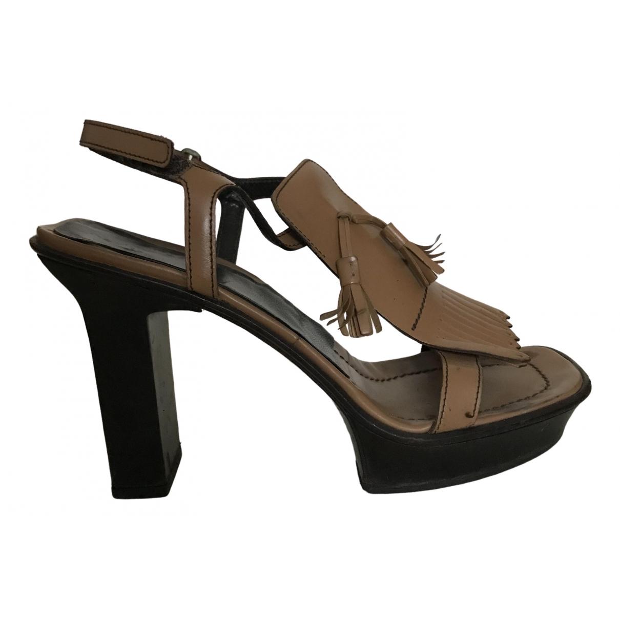 Prada - Sandales   pour femme en cuir - camel