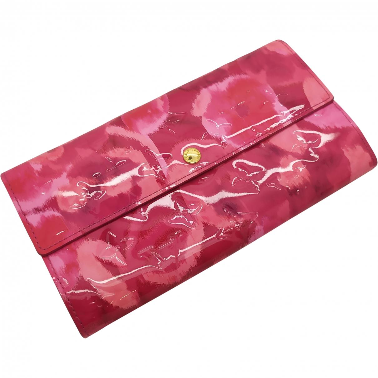Louis Vuitton Sarah Portemonnaie in  Rosa Lackleder
