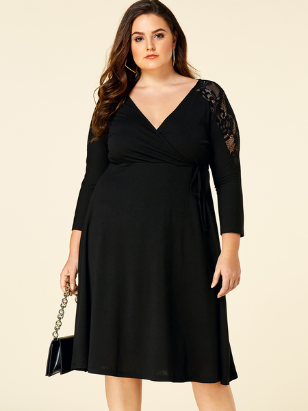 YOINS Plus Size Black Lace Insert V-neck Dress