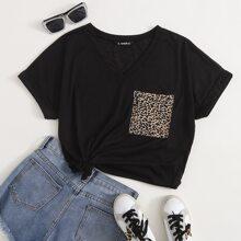 Top mit V Kragen, Leopard Muster, Taschen Flicken und Manschetten