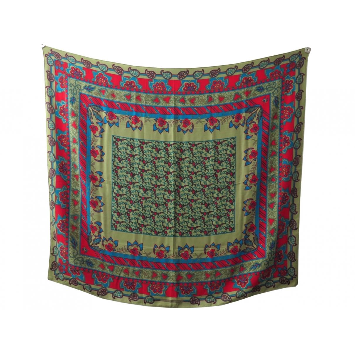 Hermès Châle 140 Khaki Cashmere scarf for Women \N