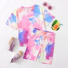 Conjunto camiseta de tie dye con shorts biker