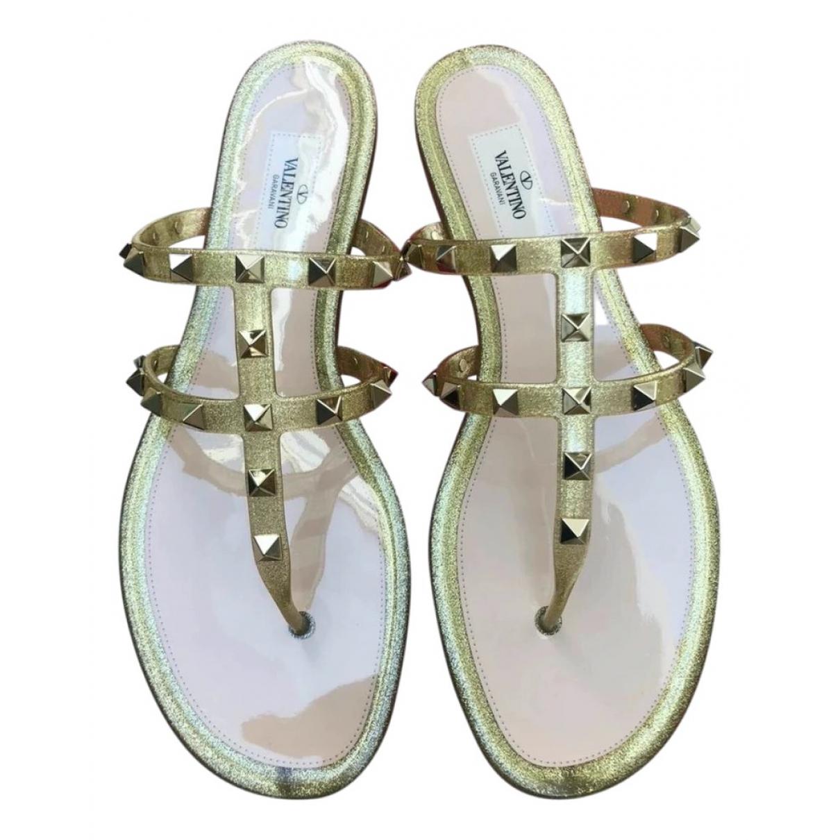 Valentino Garavani Rockstud Gold Sandals for Women 38 EU