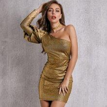 Metallisches figurbetontes Kleid mit einer Schulter und Gigotaermeln