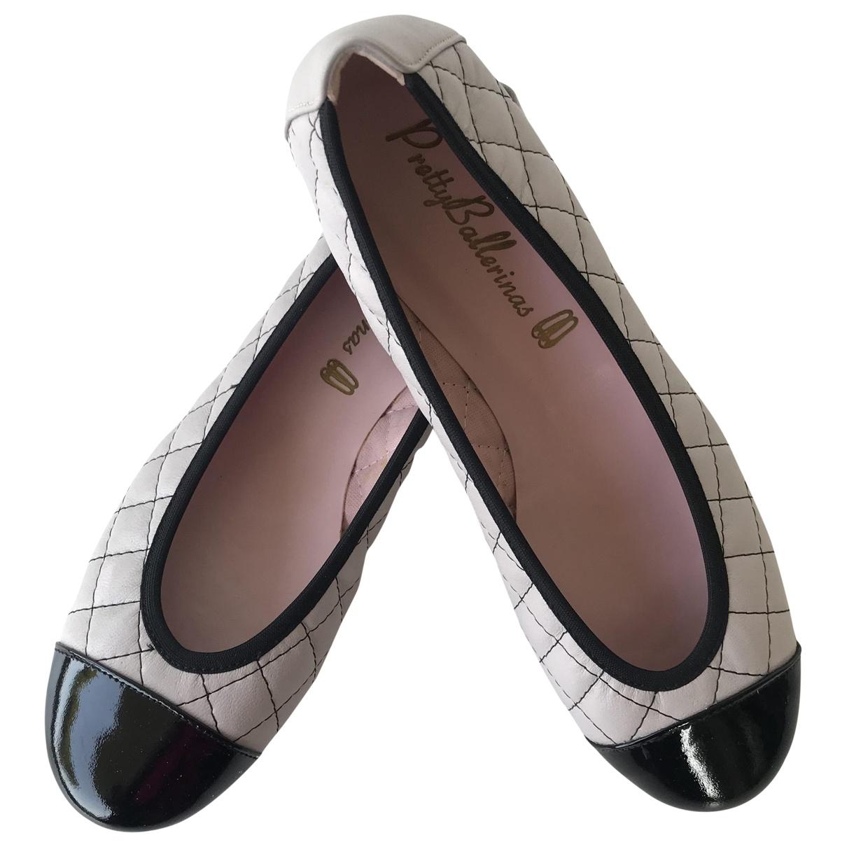 Pretty Ballerinas \N Grey Leather Ballet flats for Women 36 EU