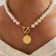 1 Stueck Halskette mit Disc und Perlen Dekor