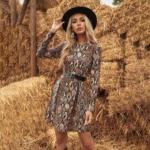 A-Linie Kleid mit Schlangenleder Muster und rundem Kragen ohne Guertel