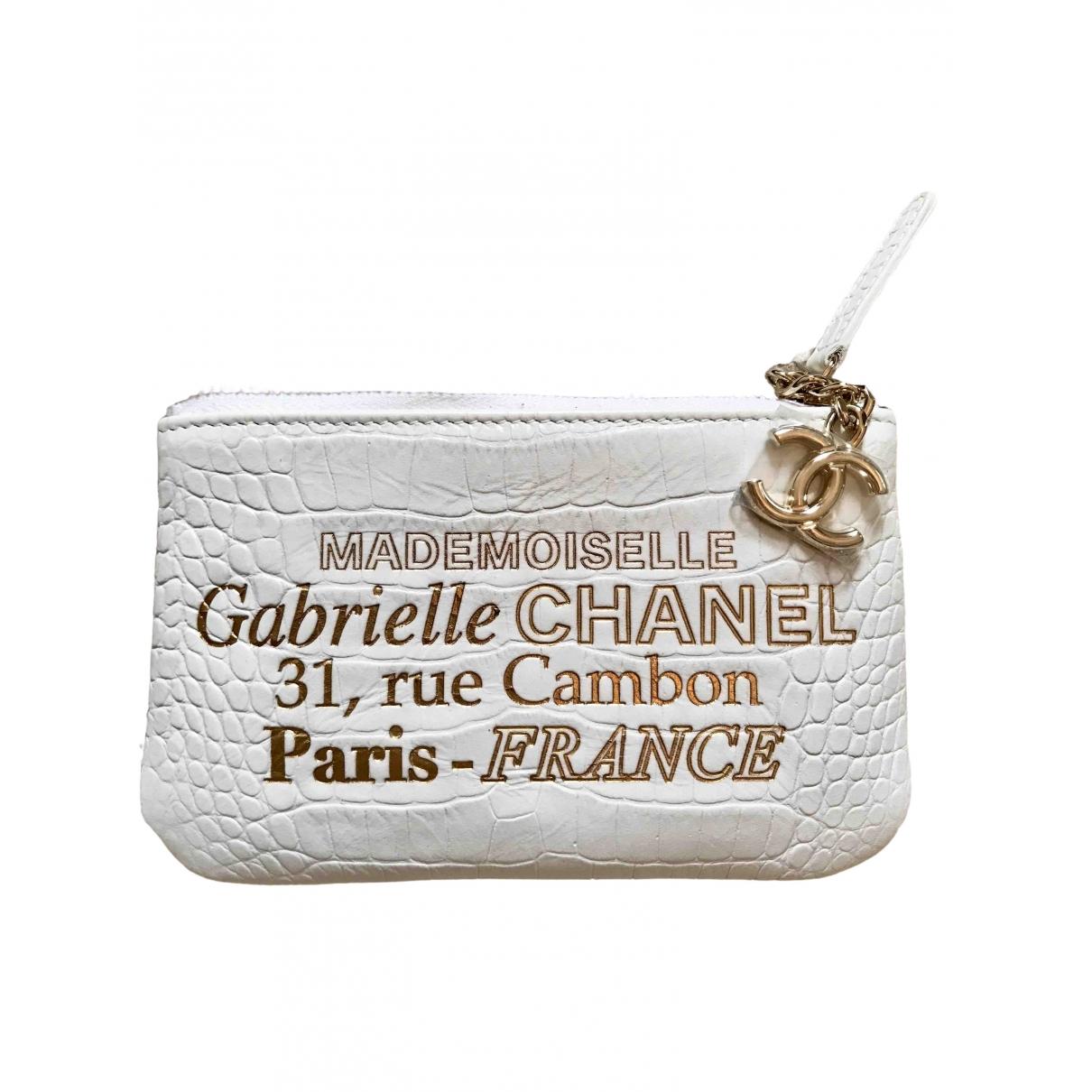 Chanel \N White Leather Clutch bag for Women \N