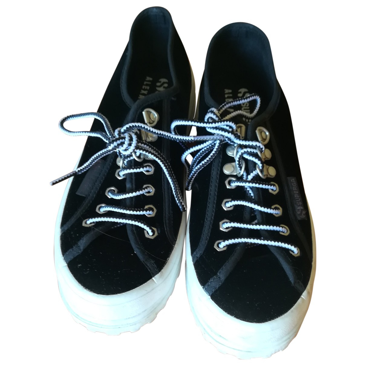 Superga \N Sneakers in  Schwarz Veloursleder
