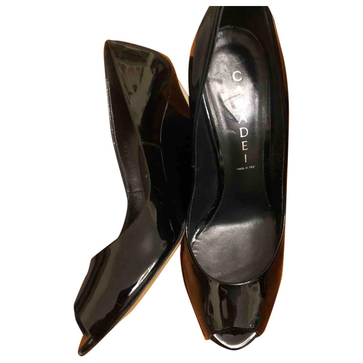 Casadei - Escarpins   pour femme en cuir verni - noir