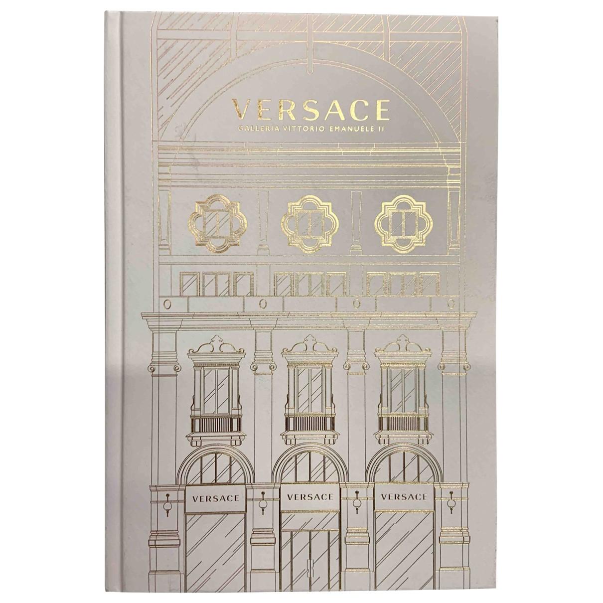 Versace - Photographie   pour lifestyle en coton - beige