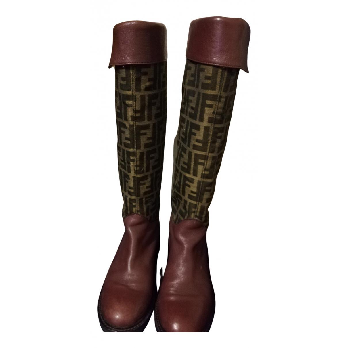 Fendi \N Stiefel in  Bordeauxrot Leder