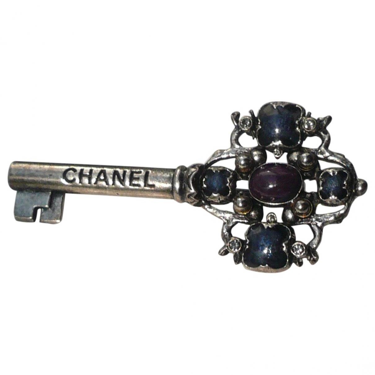 Broche Baroque en Metal Plateado Chanel