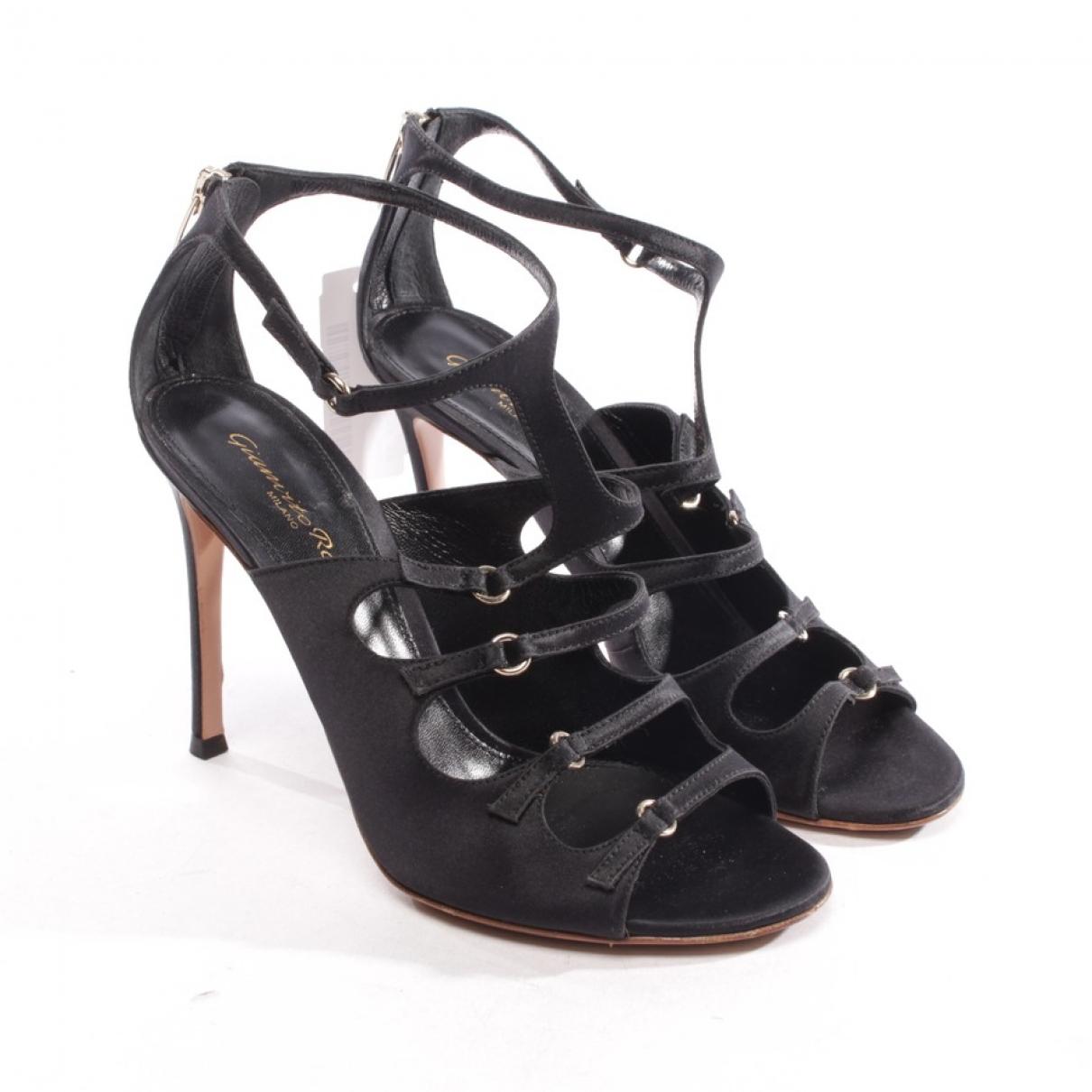 Gianvito Rossi \N Black Cloth Sandals for Women 37.5 EU