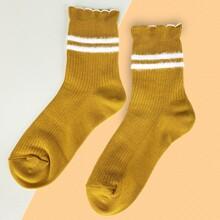 Striped Pattern Frill Hem Socks