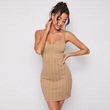 Einfarbiger Strick Pullover Kleid mit Zopf Muster