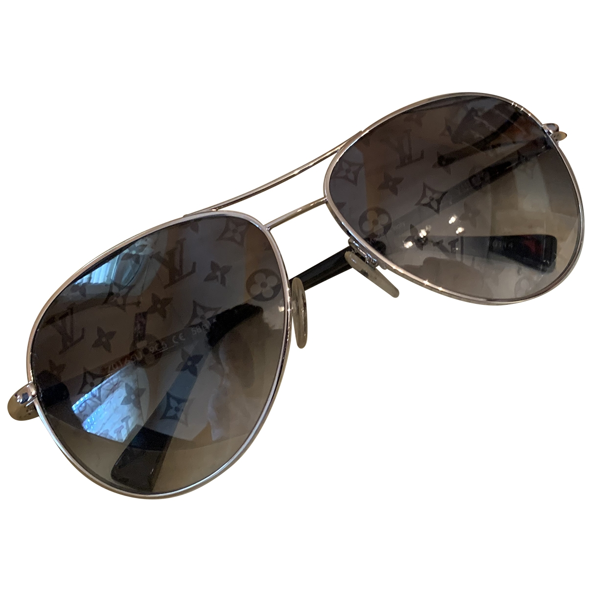 Louis Vuitton \N Metallic Metal Sunglasses for Women \N