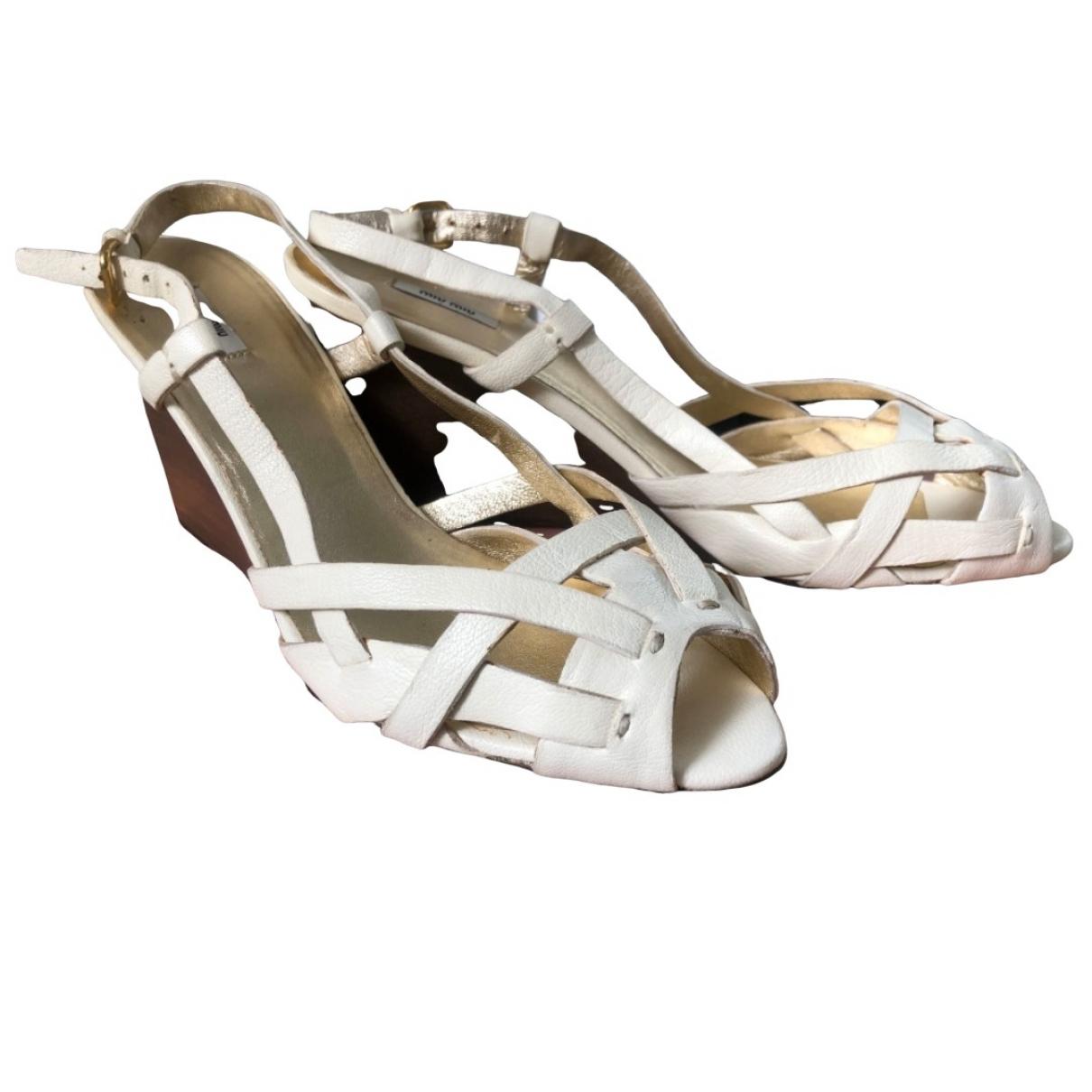 Miu Miu \N White Leather Sandals for Women 39 EU