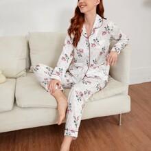 Schlafanzug Set mit Blumen & Punkten Muster