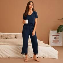 Schlafanzug Set mit V Kragen und Spitzenbesatz