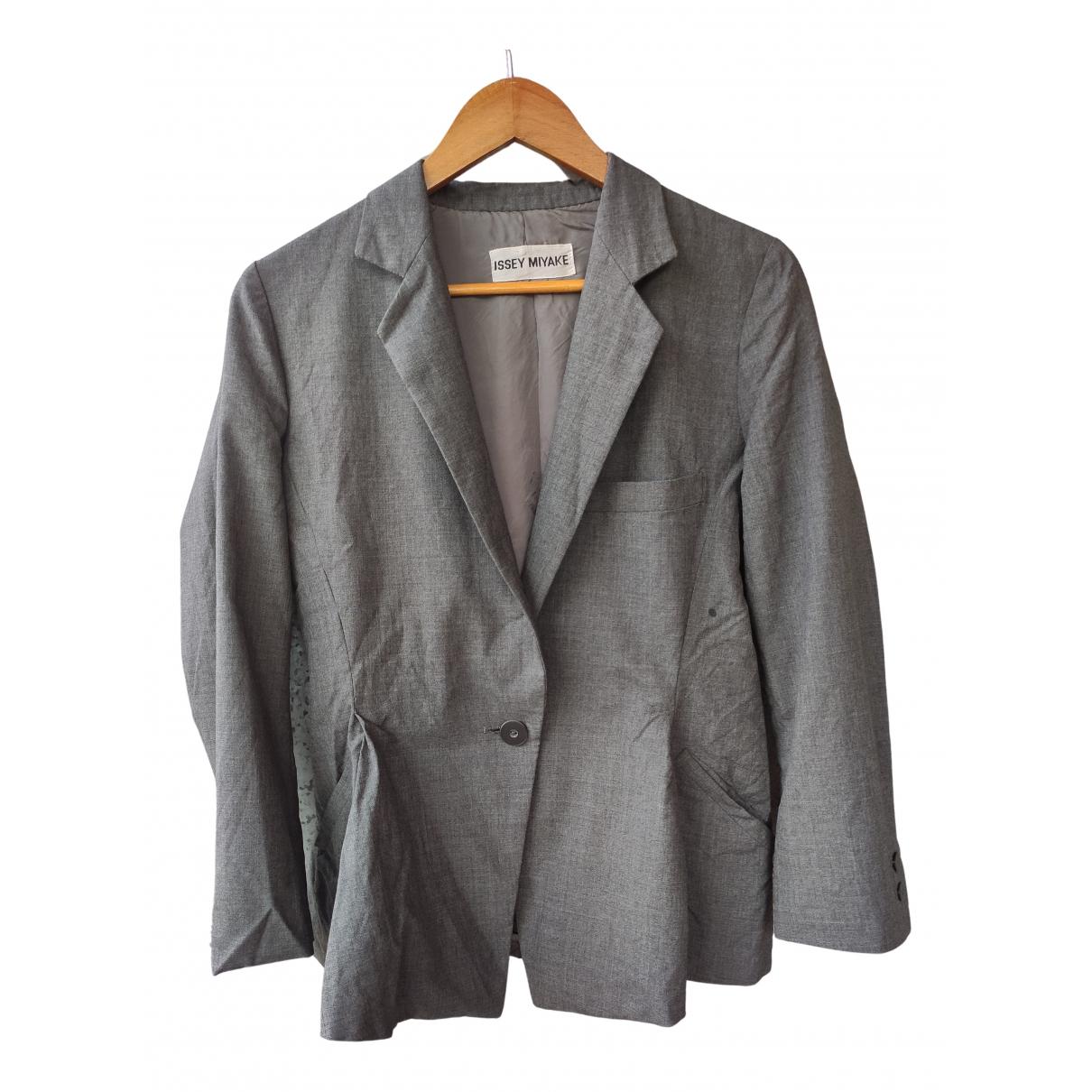 Issey Miyake - Manteau   pour femme en coton - gris
