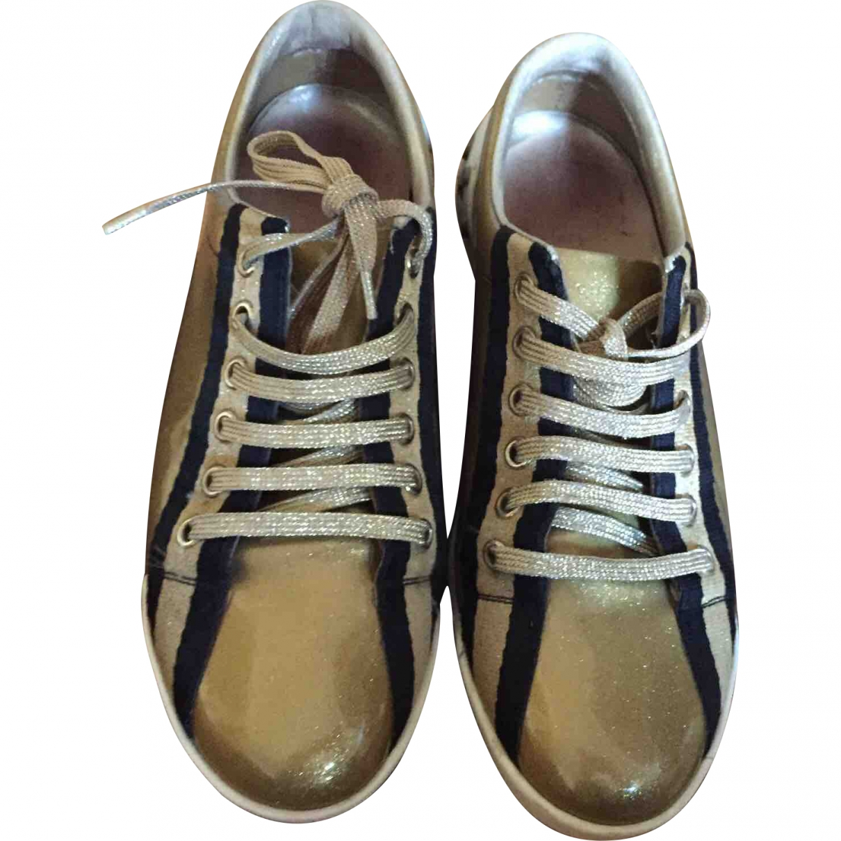 Gucci \N Gold Patent leather Trainers for Women 35.5 EU