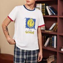 T-Shirt mit Buchstaben Grafik und Paspelsaum