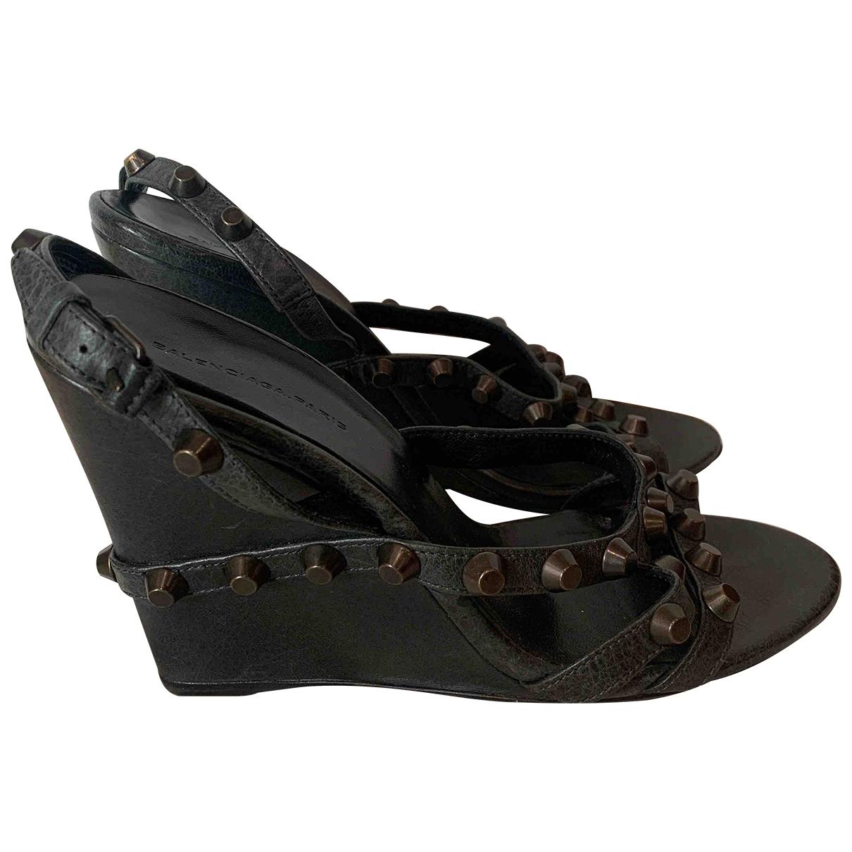 Balenciaga - Sandales   pour femme en cuir - gris