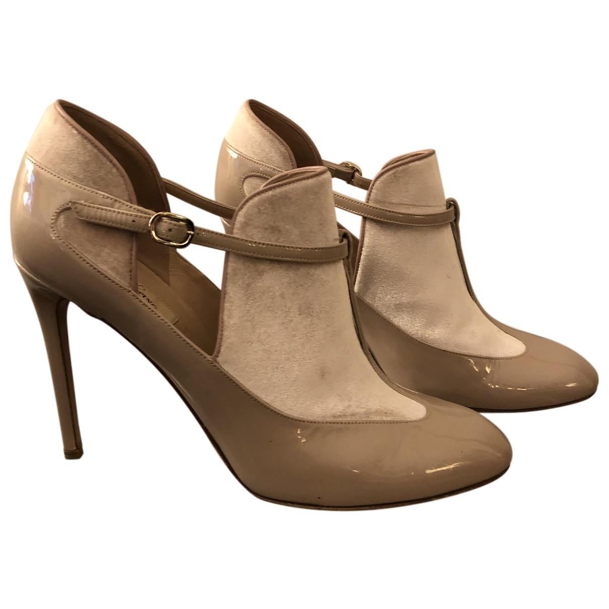 Valentino Garavani - Escarpins   pour femme en cuir verni - beige