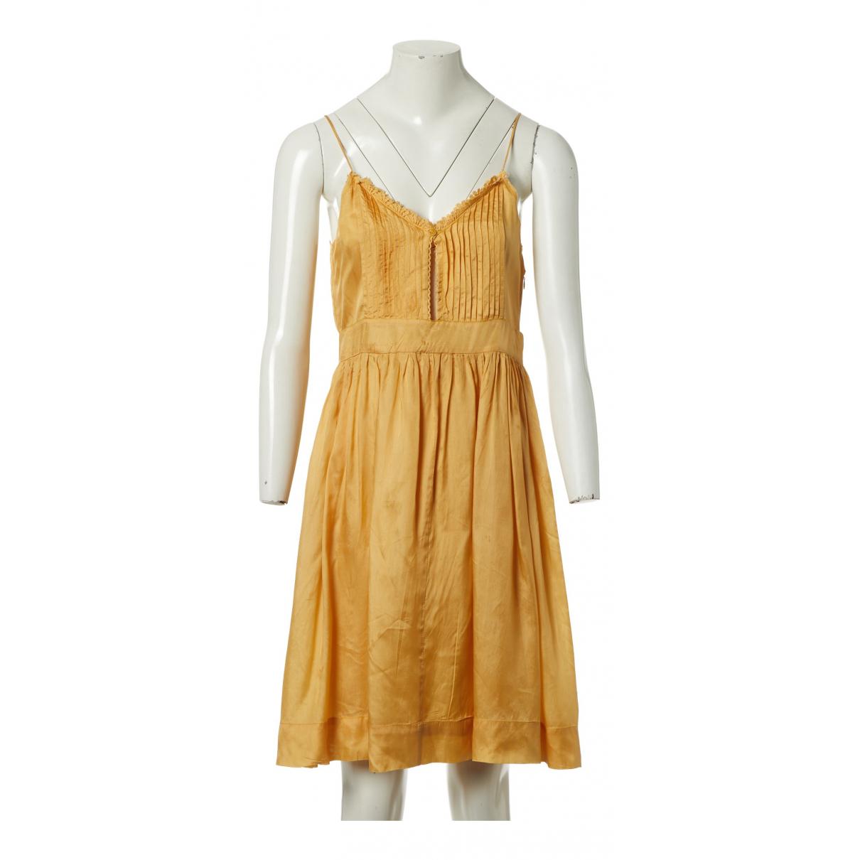 Isabel Marant \N Kleid in  Gelb Seide
