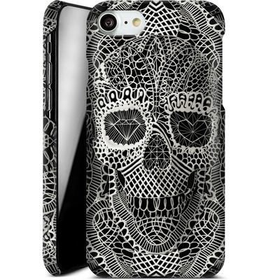 Apple iPhone 7 Smartphone Huelle - Lace Skull von Ali Gulec