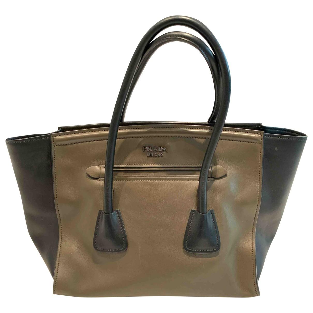 Prada \N Handtasche in  Khaki Lackleder