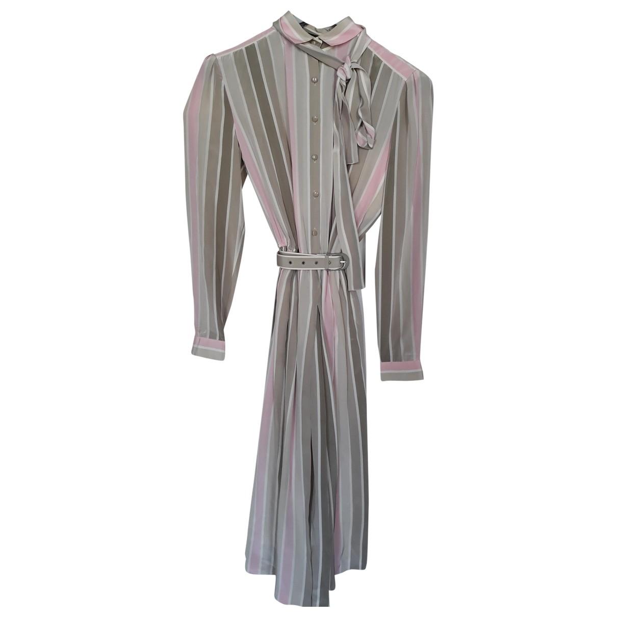 Louis Feraud \N Kleid in  Grau Seide