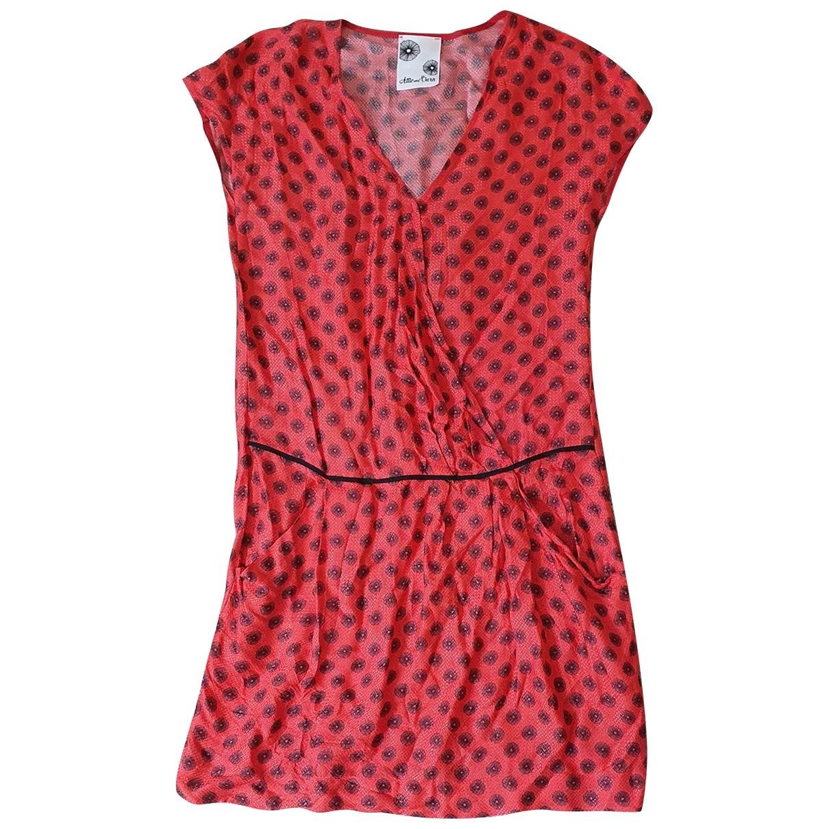 Attic And Barn \N Kleid in  Rot Viskose