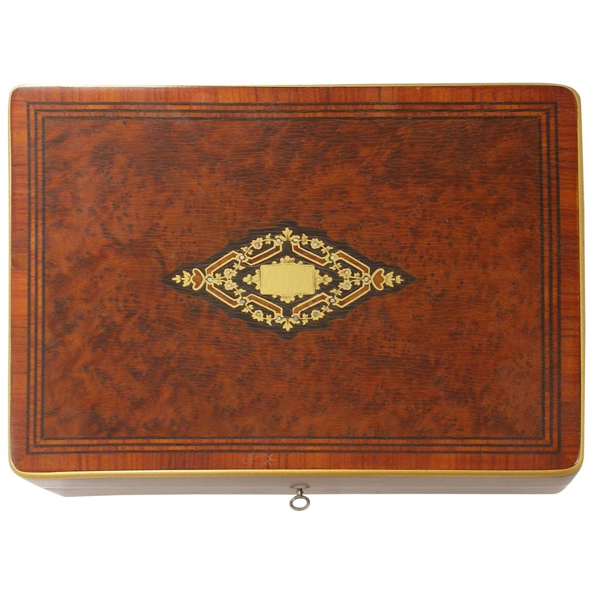 Non Signe / Unsigned \N Accessoires und Dekoration in  Braun Holz