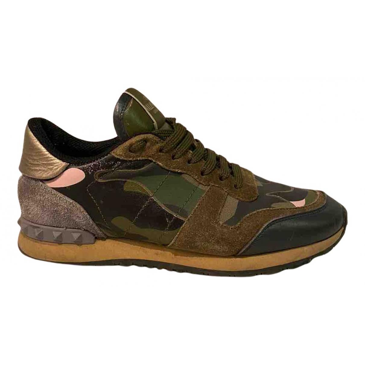 Valentino Garavani Rockrunner Sneakers in  Bunt Veloursleder