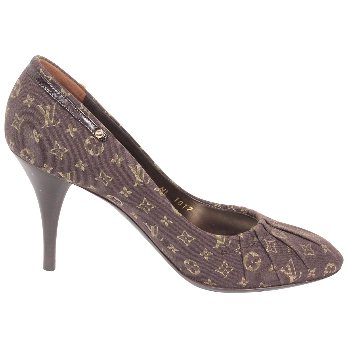 Louis Vuitton \N Brown Cloth Heels for Women 37.5 EU