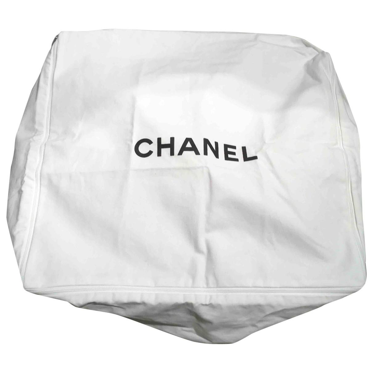 Cojin Chanel