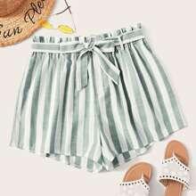 Shorts mit Streifen, Guertel und Papiertasche Taille