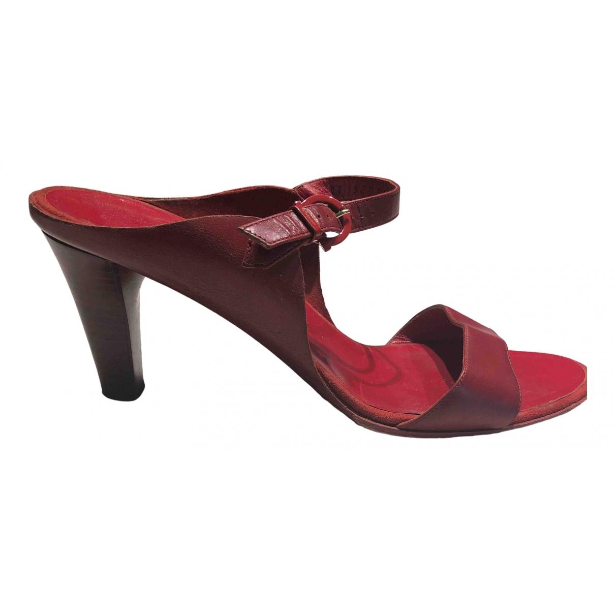 Salvatore Ferragamo - Sandales   pour femme en cuir - rouge