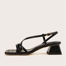 Sandalias con tacon grueso con diseño de cocodrilo de punta abierta
