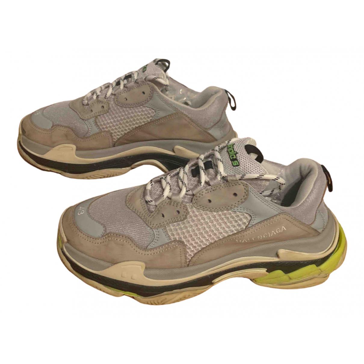 Balenciaga Triple S Sneakers Grau
