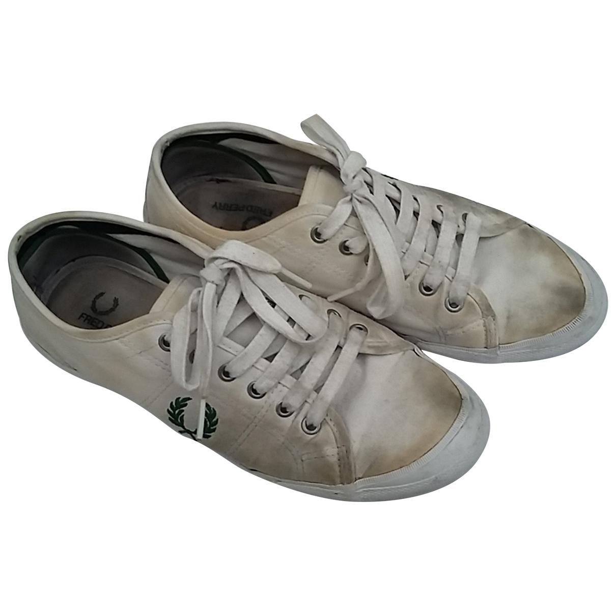 Fred Perry \N Sneakers in  Beige Leinen