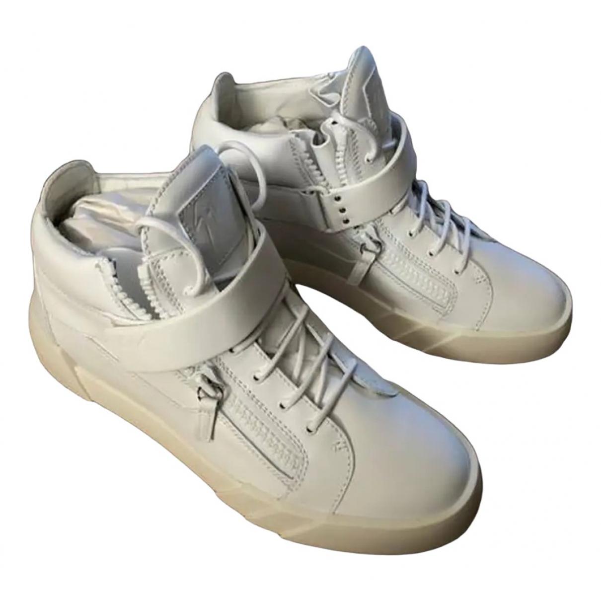 Giuseppe Zanotti \N White Leather Trainers for Men 41.5 EU