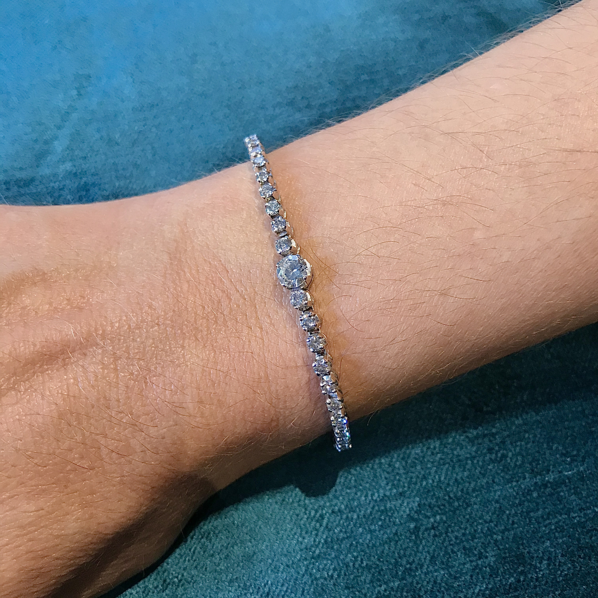 Non Signe / Unsigned Tennis Armband in  Weiss Weissgold