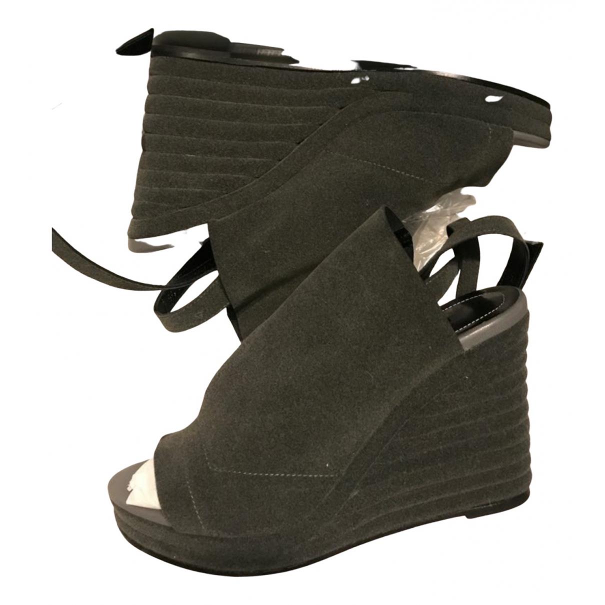 Balenciaga - Sandales   pour femme en suede - gris