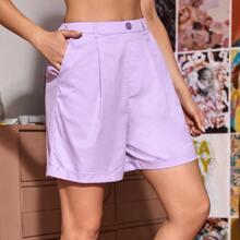 Shorts de doblez con bolsillo oblicuo de parte trasera elastica