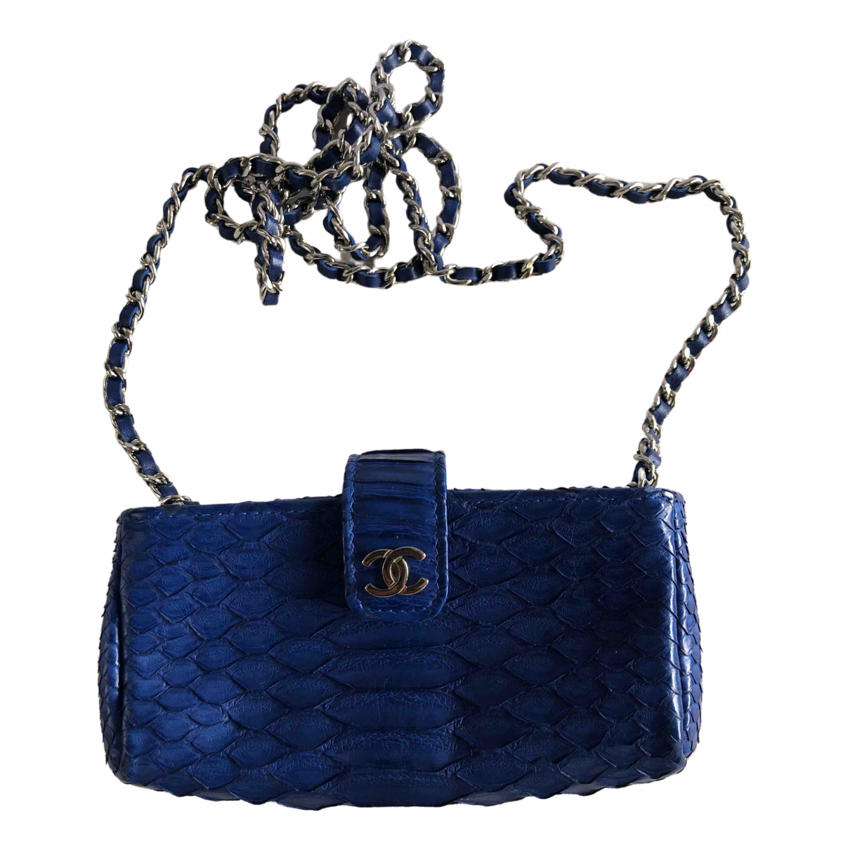Chanel \N Clutch in  Blau Python